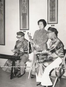 Mai Thu-Mong Trung MAMAN -TVK 1959 (CONCERT Paris 13)